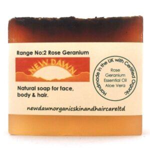 BARRA DE JABÓN DE GERANIO ROSA - Productos orgánicos hechos a mano para el cuidado de la piel y el cabello de New Dawn